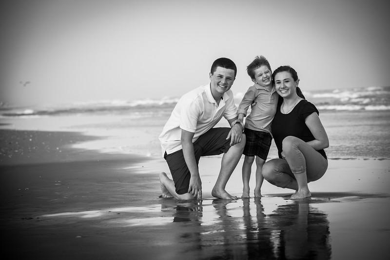 Creative Family Beach Photos-112.jpg