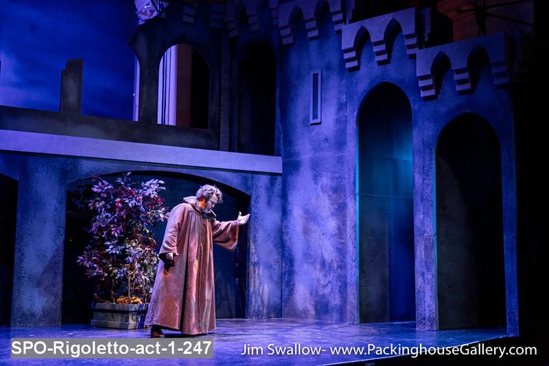 SPO-Rigoletto-act-1-247.jpg