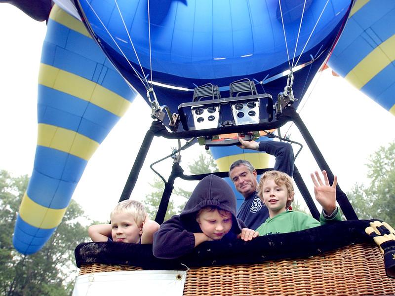 boysNballoons04rrd1.jpg