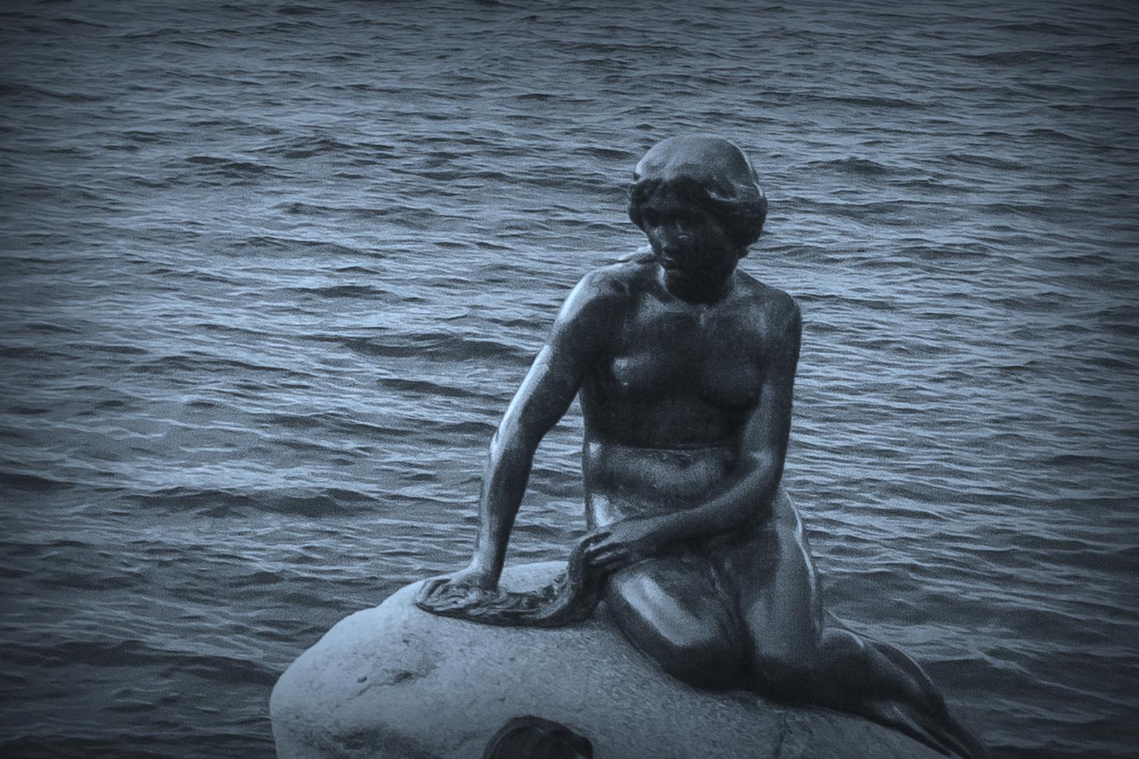 丹麦美人鱼雕像,雕塑家妻子为蓝本