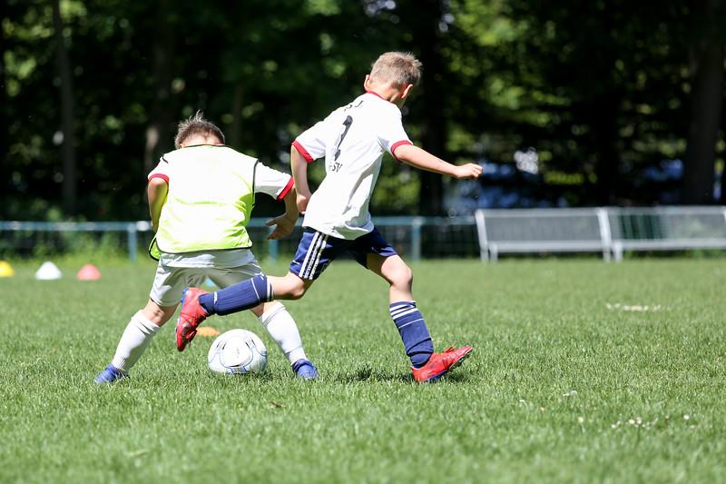 hsv_fussballschule-535_48048027912_o.jpg