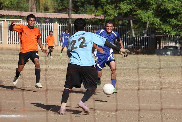Matapolo soccer game