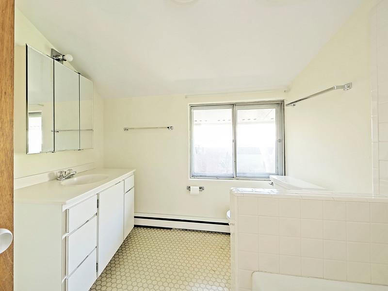 bath2.jpg