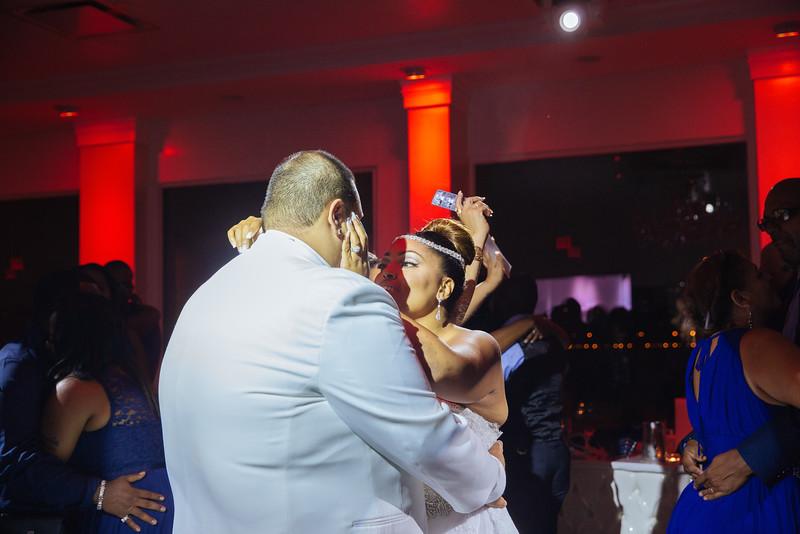 MER__1327_tonya_josh_new jerrsey wedding photography.jpg