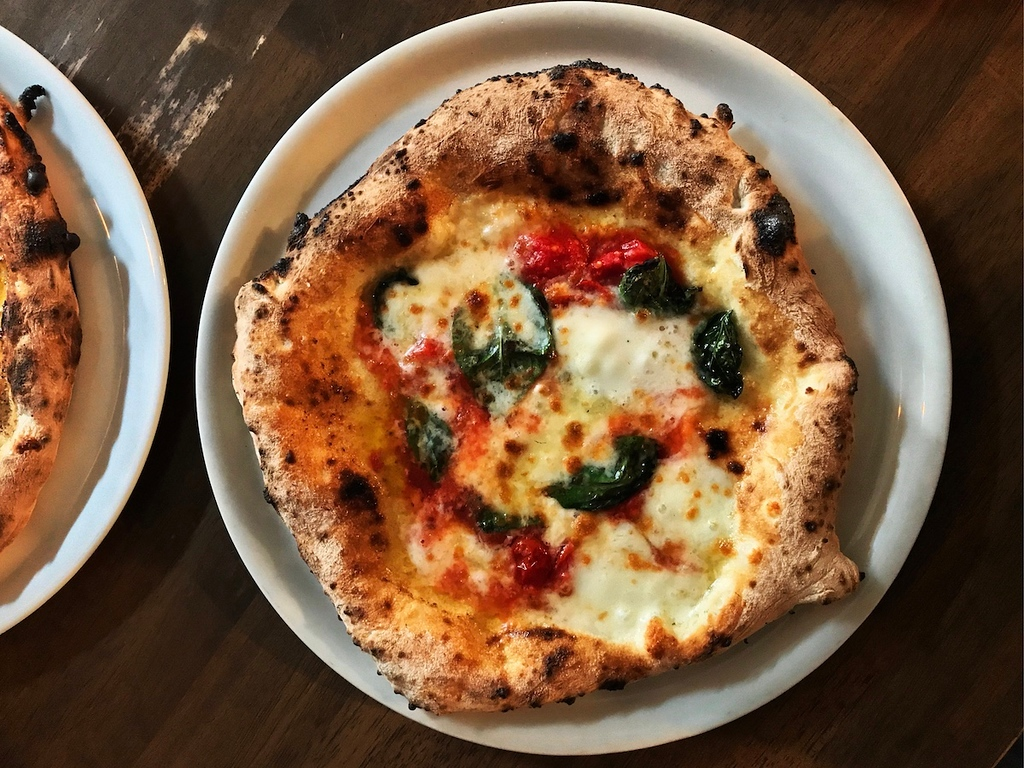 Margherita pizza at Seirinkan, Nakameguro.
