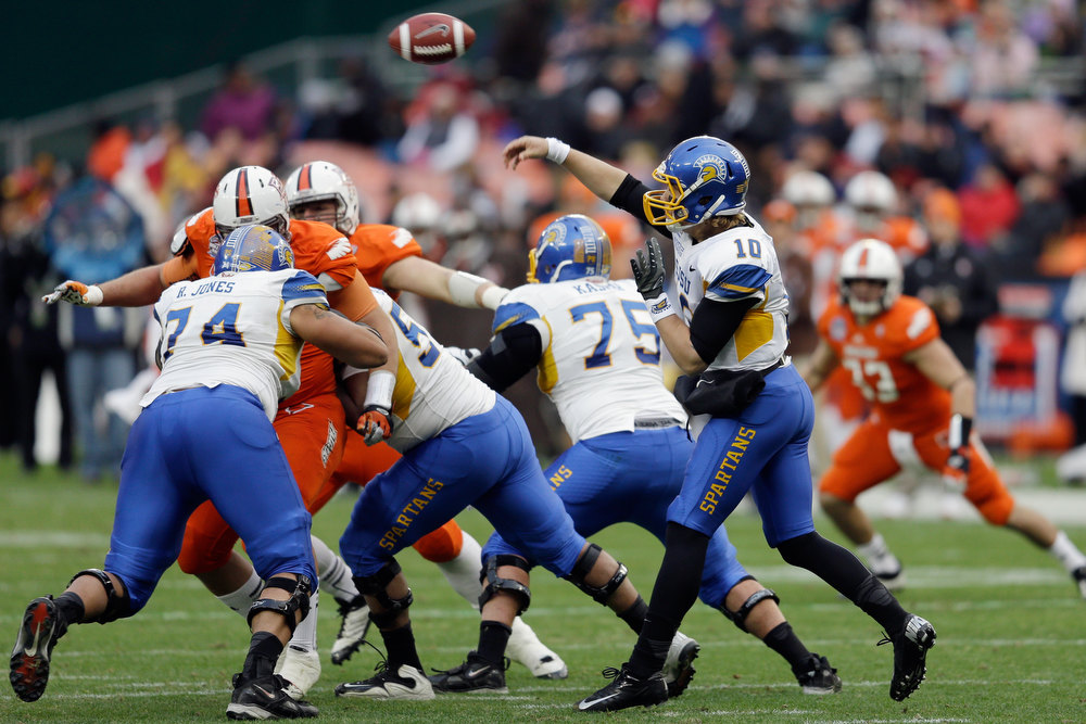 Description of . Quarterback David Fales #10 of the San Jose State Spartans throws a pass against the Bowling Green Falcons during the first half of the Military Bowl at RFK Stadium on December 27, 2012 in Washington, DC.  (Photo by Rob Carr/Getty Images)