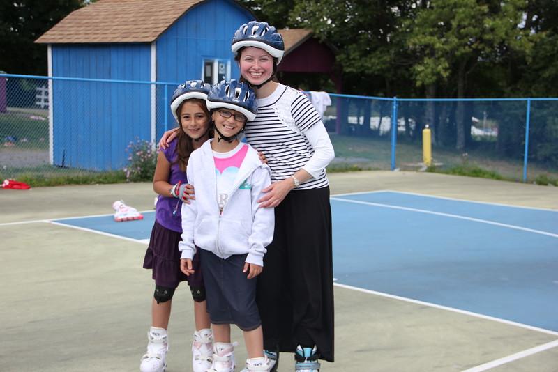 kars4kids_thezone_camp_girlsDivsion_activities_Rollerblading (4).JPG