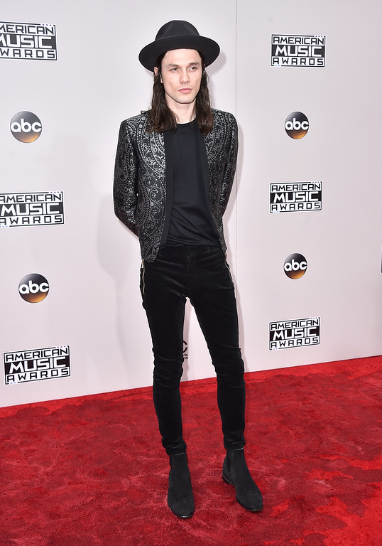 . James Bay arrives at the American Music Awards at the Microsoft Theater on Sunday, Nov. 20, 2016, in Los Angeles. (Photo by Jordan Strauss/Invision/AP)