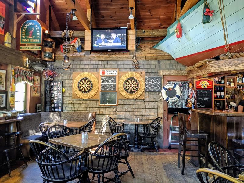 lunenburg knot pub 3.jpg