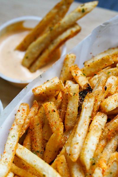 Pratt_Katsu Burger_Spicy Fries_004.jpg