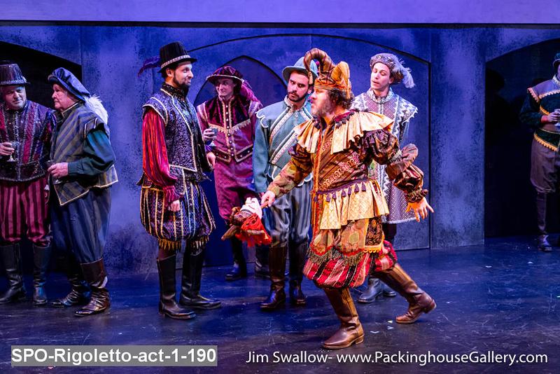 SPO-Rigoletto-act-1-190.jpg