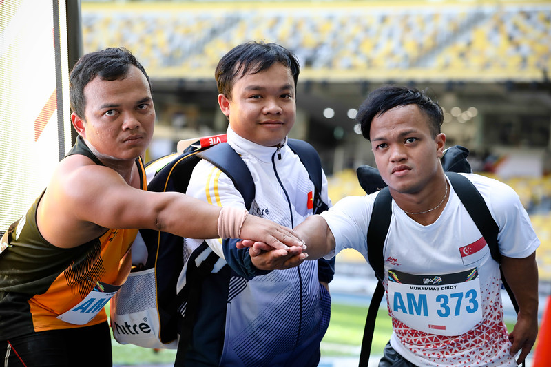 PARA ATHLETICS - MUHAMMAD DIROY BIN NORDIN with his counterparts in a group friendly photo in Men Shotput Finals (F40/41)  at Bukit Jalil National Stadium, KL on September 21th, 2017 (Photo by Sanketa Anand)