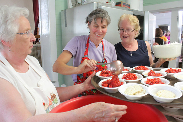 Pomfret Stawberry Supper