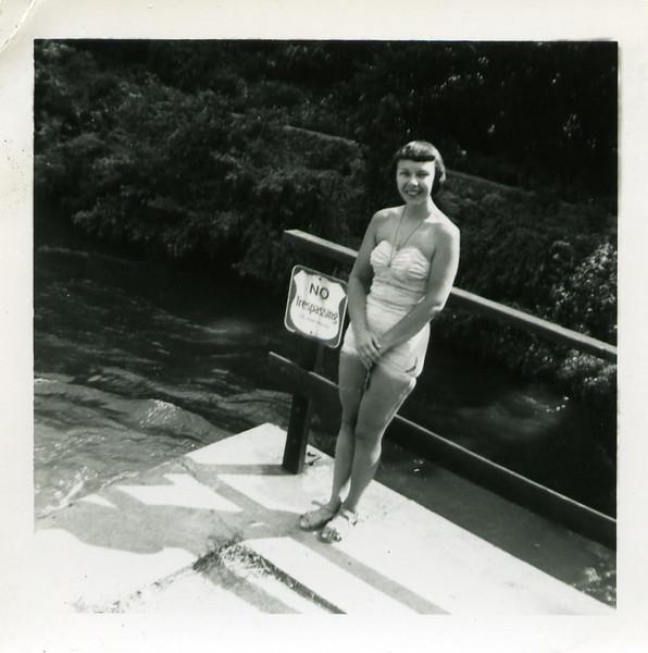 1954_0045.jpg
