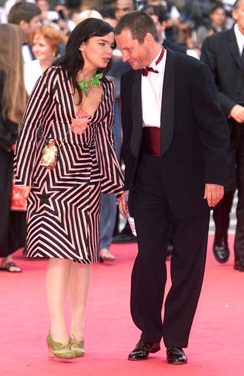 ". Icelandic singer Bjork, left, and Danish director of the film ""Dancer in the Dark\"" Lars von Trier, right, arrive at the Festival palace for closing ceremony of the 53rd International Film Festival in Cannes, French Riviera Sunday, May 21, 2000. (AP Photo/Lionel Cironneau)"