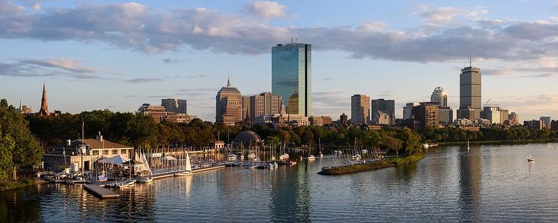 1920px-Boston_skyline_from_Longfellow_Bridge_September_2017_panorama_2.jpg