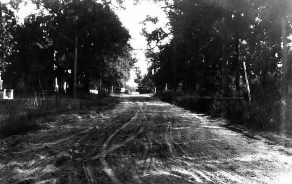 1928-Franklin Street north of Adams Street.jpg
