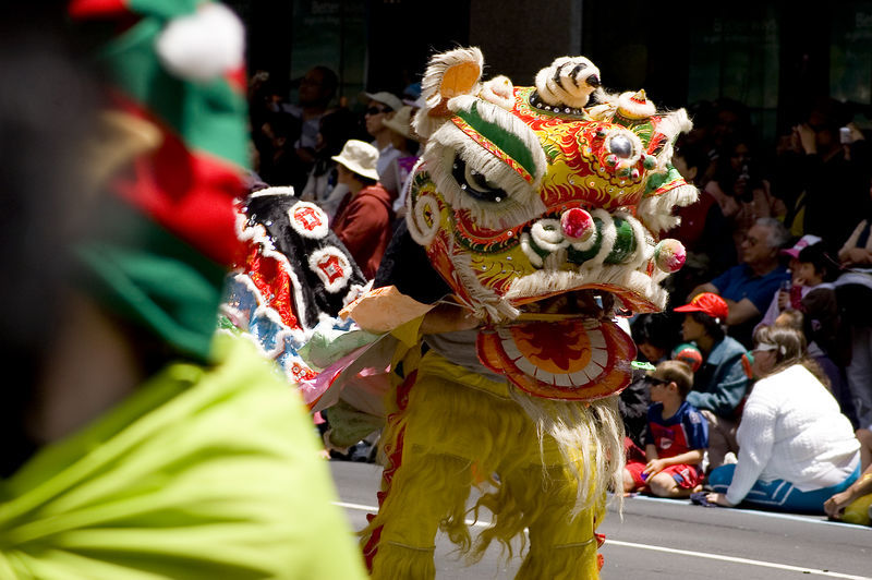 Dragon dance Santa Parade Auckland New Zealand - 27 Nov 2005