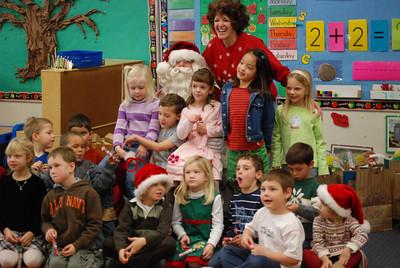 Kindergarten holiday party: 12/19/08