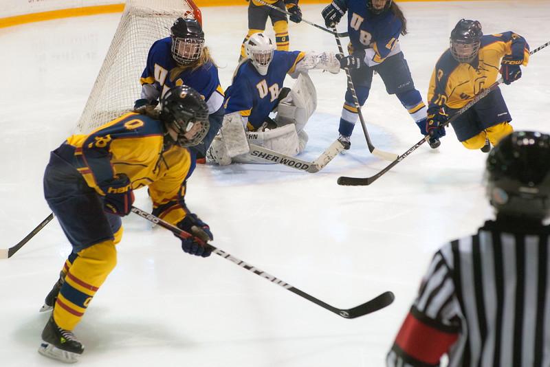 20130310 QWHockeyvsUBC 355.jpg