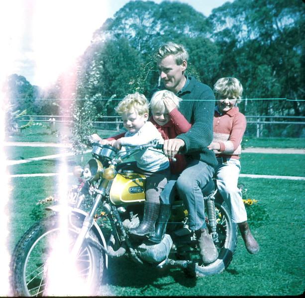 1973-4-1 (1) Allen 1yr 11mths, Andrew 3 yrs 8 mths, Graham & Susan 7 yrs 9 mths on motor bike.jpg
