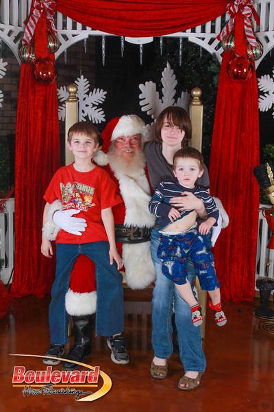 Santa 12-10-16-400.jpg