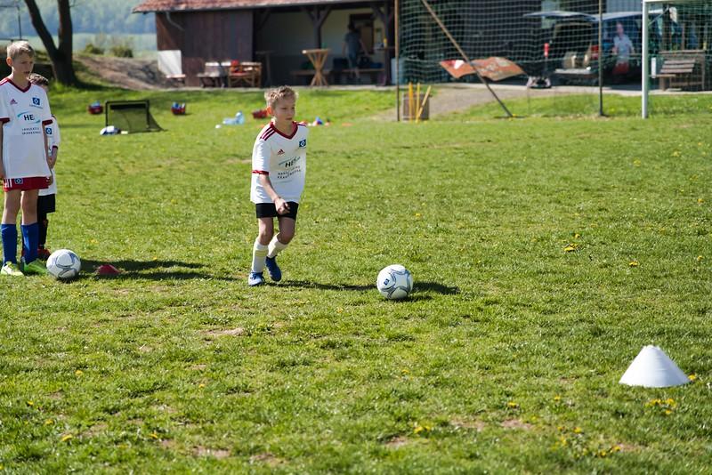 hsv-fussballschule---wochendendcamp-hannm-am-22-und-23042019-y-10_40764458283_o.jpg