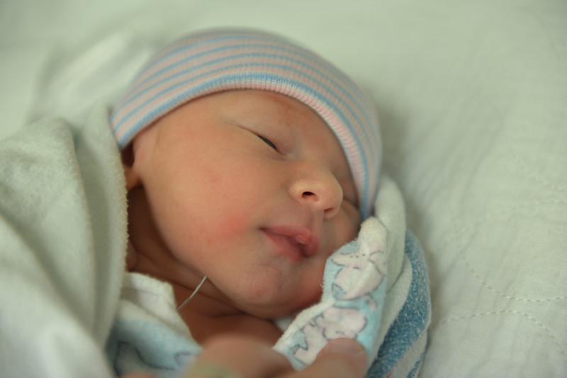 Ben Vallaeys Is Born Nov 17 2013 - 6.jpg