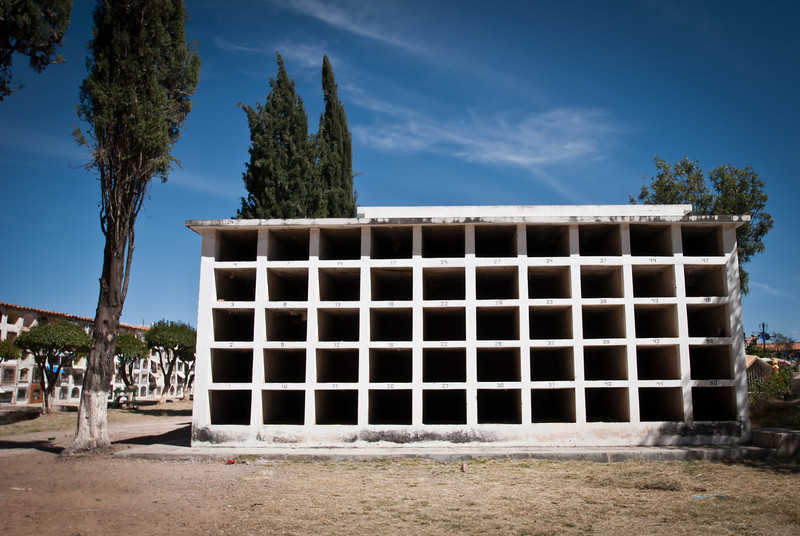 Sucre 201205 Cemetery (32).jpg