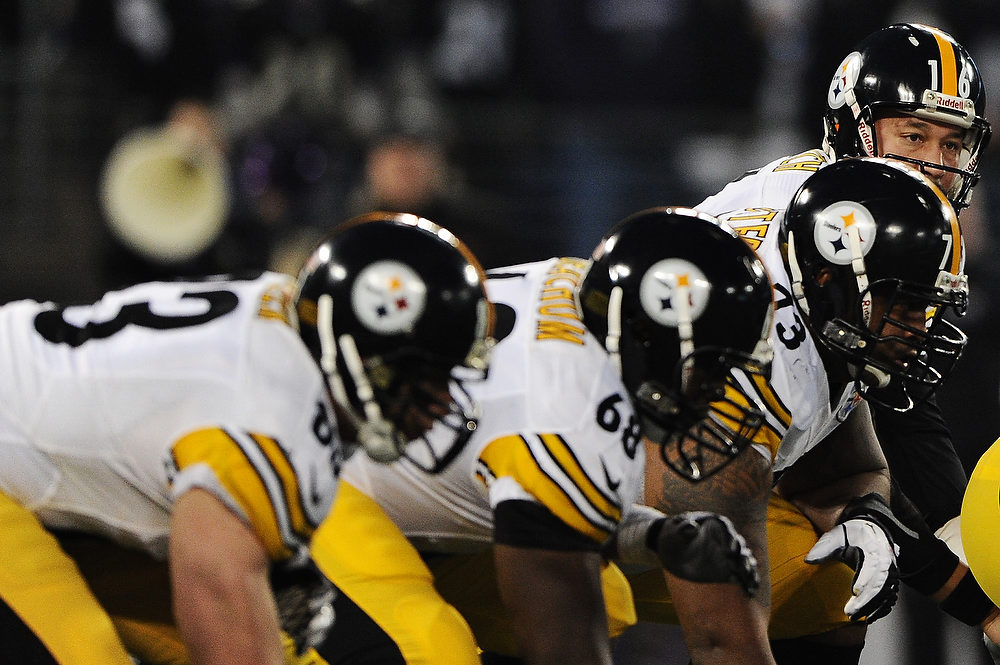 Description of . Quarterback Charlie Batch #16 of the Pittsburgh Steelers hikes the ball against the Baltimore Ravens in the first quarter at M&T Bank Stadium on December 2, 2012 in Baltimore, Maryland. (Photo by Patrick Smith/Getty Images)