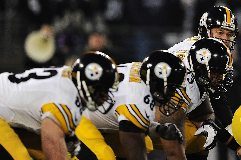 . Quarterback Charlie Batch #16 of the Pittsburgh Steelers hikes the ball against the Baltimore Ravens in the first quarter at M&T Bank Stadium on December 2, 2012 in Baltimore, Maryland. (Photo by Patrick Smith/Getty Images)