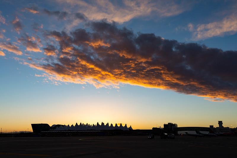 010721_airfield_tents_planes-524.jpg
