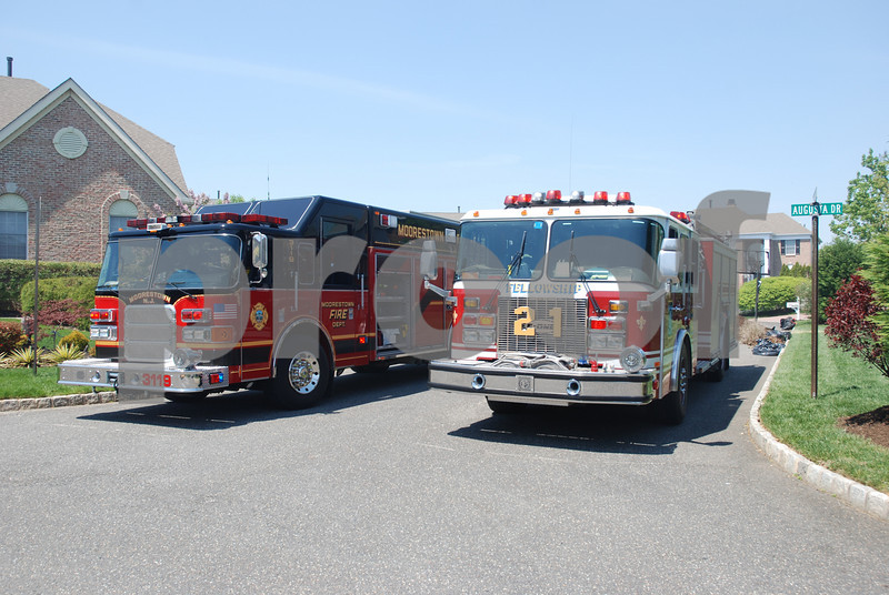 4-27-2009 (Burlington County) MOORESTOWN - 133 Augusta Dr - 2nd Alarm Dwelling Fire