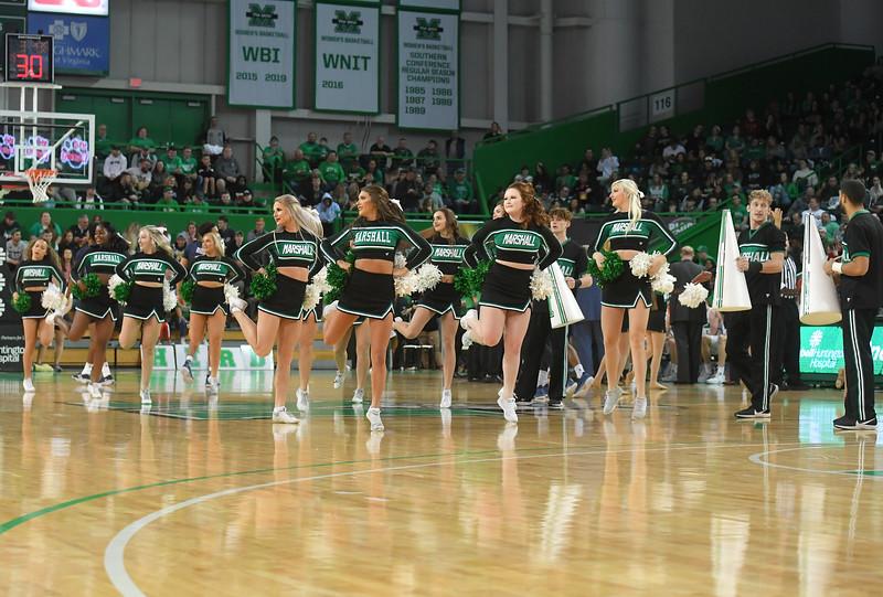 cheerleaders3856.jpg