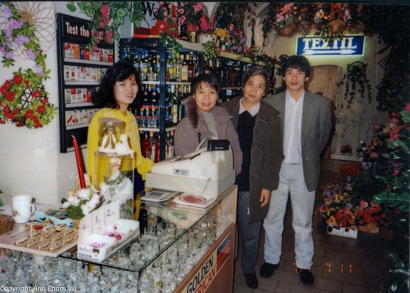 Ba Tan Visit 90s 53.jpg