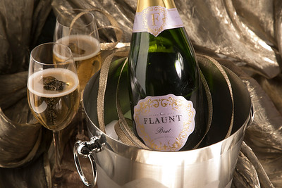 Flaunt Sparkling Wine 12-25-17