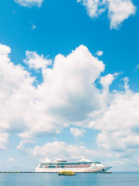 Cozumel cruise ship-2.jpg