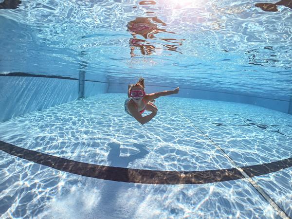 Shoemaker | Underwater