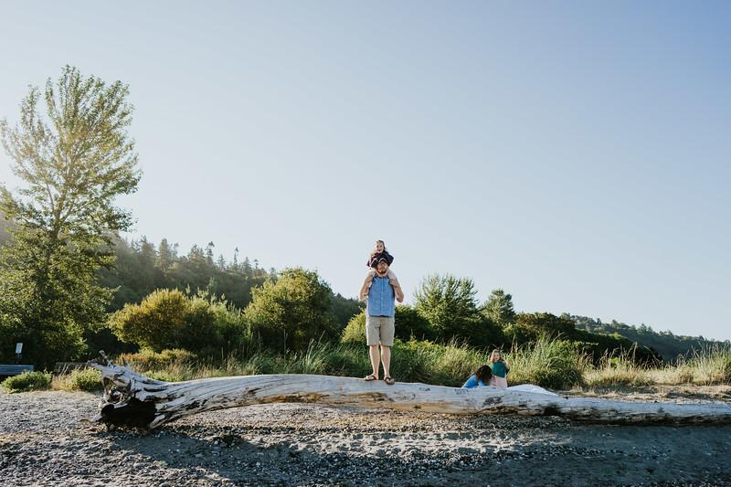AlecMillsPhotography-SeattleFamilyPhotographer-WhitefieldFamily-13.jpg
