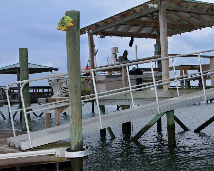 covered pier head w/floating dock http://www.vrbo.com/366433