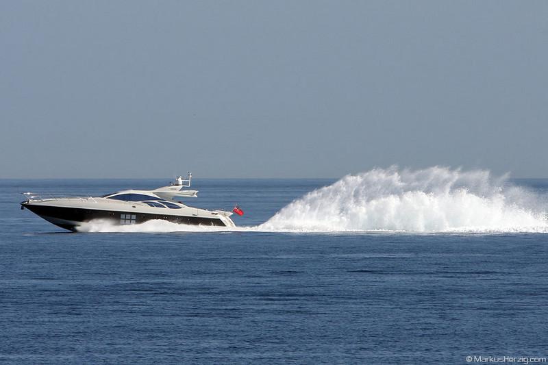 Smart yacht with heading Monaco harbour @ Monaco 3May08