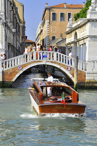 Private Venetian water taxi