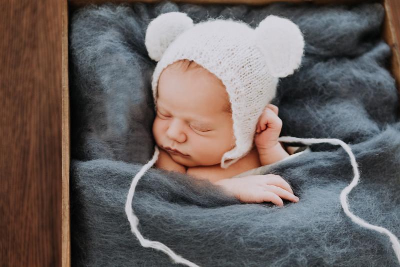 Cassie_Newborns (1).jpg