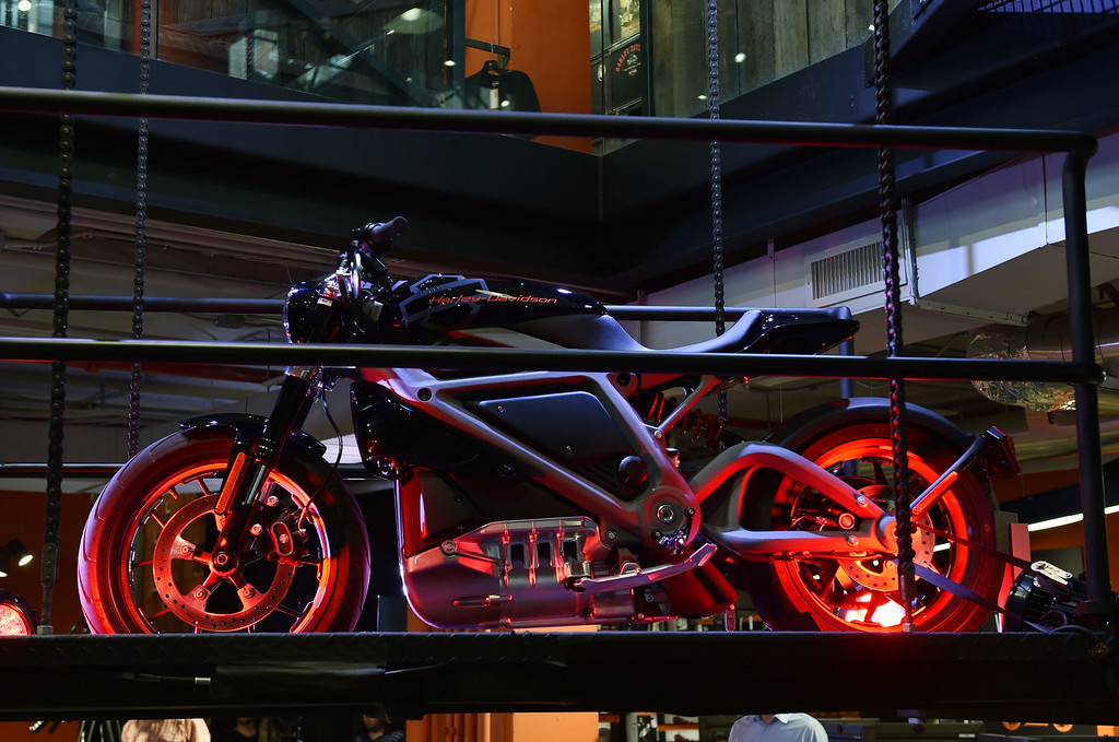 . A Harley-Davidson Project LiveWire motorcycle, the company\'s first electric motorcycle, during a preview June 23, 2014 at a Harley-Davidson dealer in New York. AFP PHOTO/Stan HONDA/AFP/Getty Images