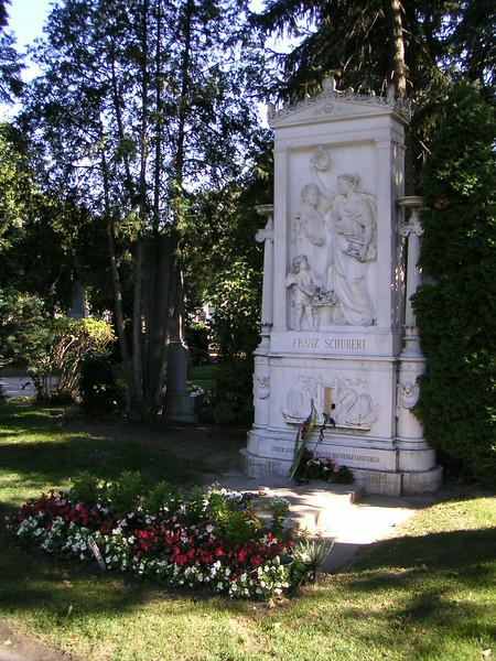 21 Schubert Grave.JPG