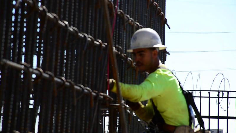 2015-02-09bridge construction 4.MOV
