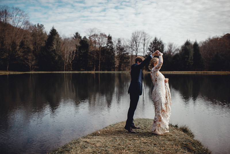 Requiem Images - Luxury Boho Winter Mountain Intimate Wedding - Seven Springs - Laurel Highlands - Blake Holly -683.jpg