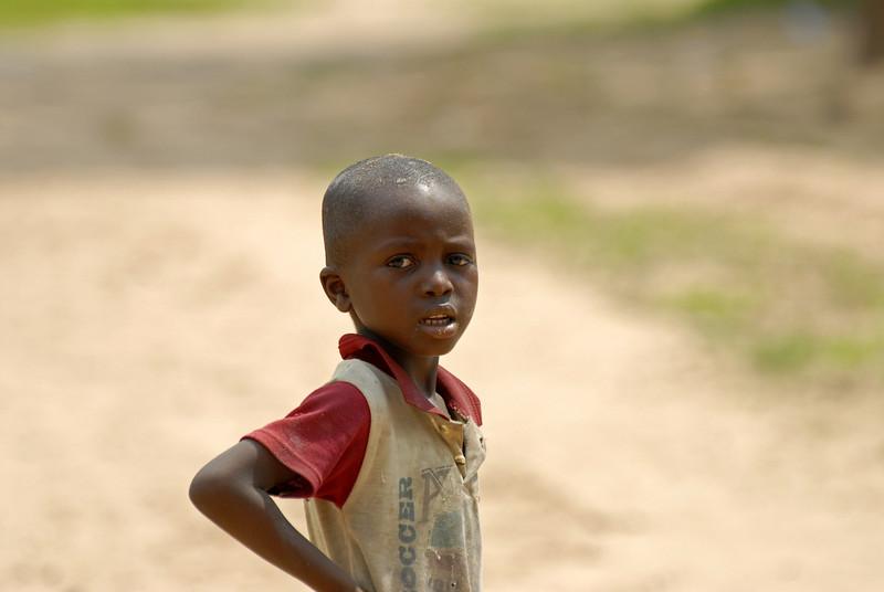 070104 3580 Burundi - Bujumbura - Neighbourhood near Peace Village _E _L ~E ~L.JPG
