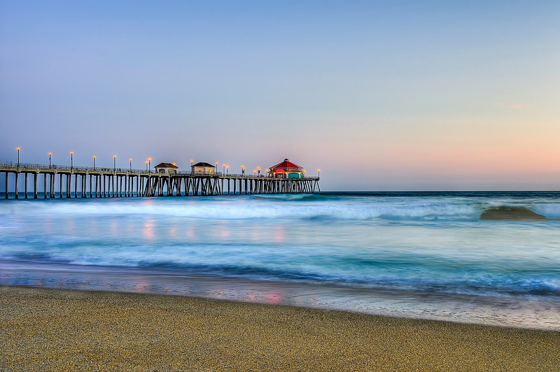 Huntington Beach Pier.jpg