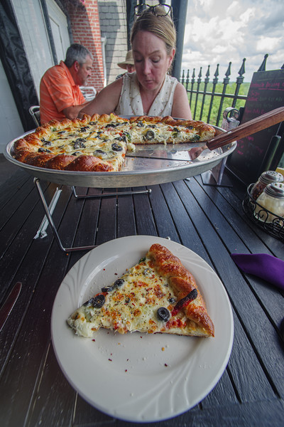 Pizza at the Crescent